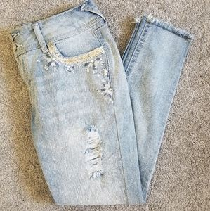 Light Blue Embriodered Wallflower Jeans Size 7